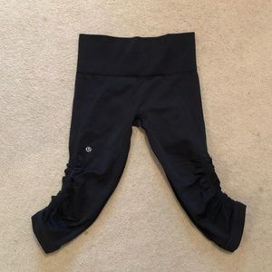 Lululemon scrunched cropped pants